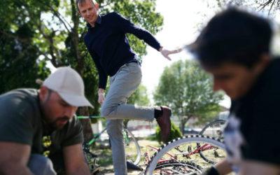 Drømmer om biler-mekker på sykler